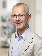 Mitarbeiter Helmut Neumayer